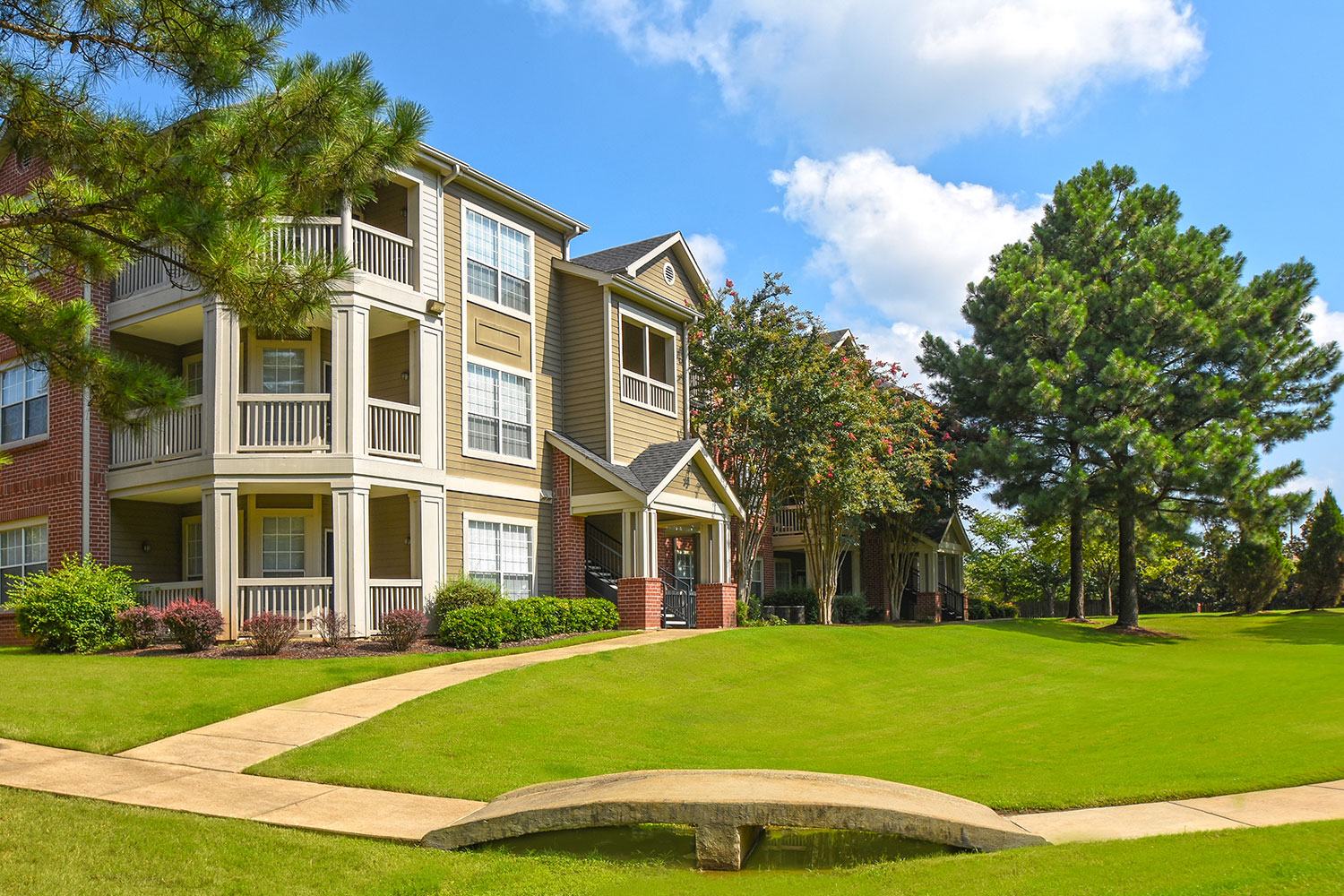 Balfour Beatty Communities enters Memphis market with multifamily acquisition